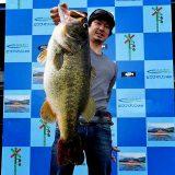 71cm!! (8500g/18.7lb)琵琶湖モンスター現わる!! (ビワコマリン)