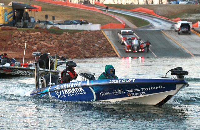 bassmaster classic 2015 on Hartwell Lake in Anderson County