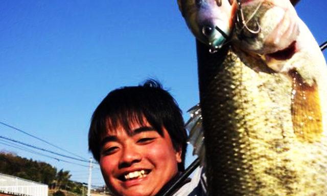 tweet釣果: この間ブルシューターJrで52cmが釣れました