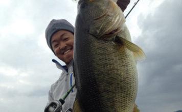 クランクで65cmオーバー!! 琵琶湖!! (諸富真二)