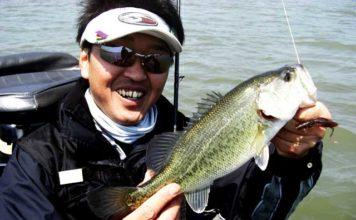 琵琶湖バスフィッシングガイドリポート~大島様~ 42cm 20