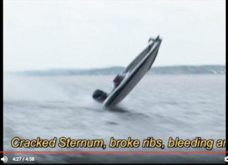 バスボート事故 ~波に乗り上げ転覆~