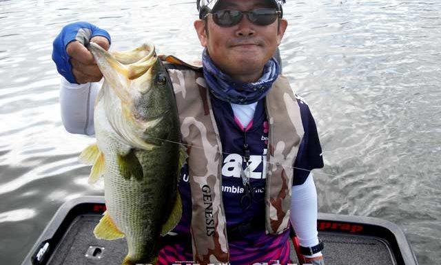 琵琶湖バスフィッシングガイドリポート ~たいがーーー様~ 47cm 16