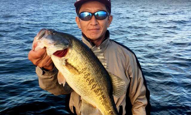 お客様からの釣果:関原様~琵琶湖で8本 最大48cm!! 1