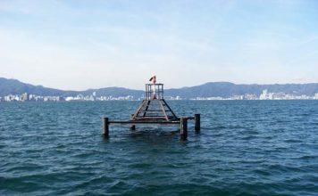 琵琶湖湖上調査 2月26日 取水塔 写真