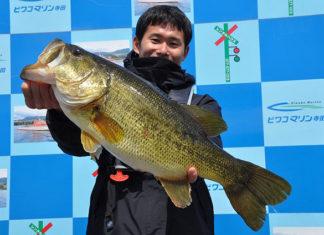 tweet釣果:ロクマル ボカ〜ン!! スタッガーで60アップ!! (琵琶湖)