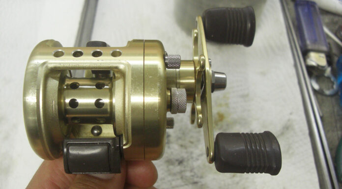 シマノ 96カルカッタ 50XT オーバーホール修理メンテナンス写真